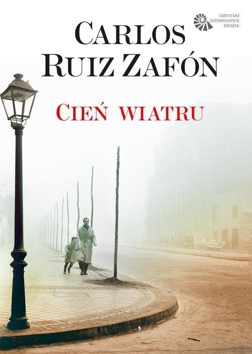 okładka Cień wiatru. KsiążkaRuiz Zafon Carlos