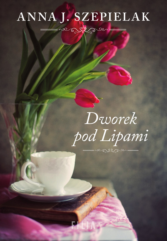 okładka Dworek pod Lipami, Ebook | Anna J. Szepielak