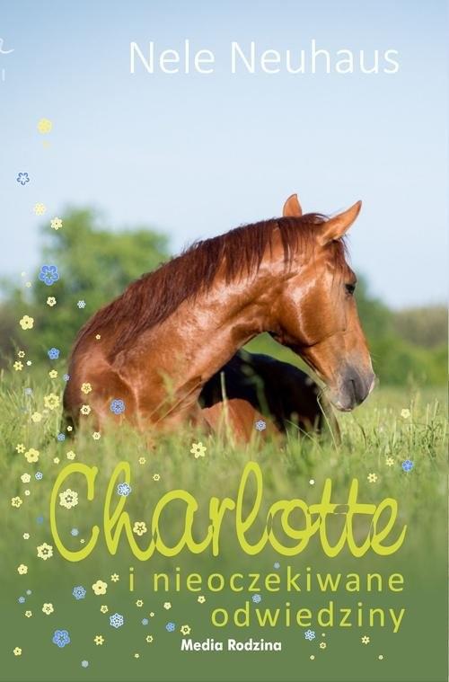 okładka Charlotte i nieoczekiwane odwiedzinyksiążka      Nele Neuhaus