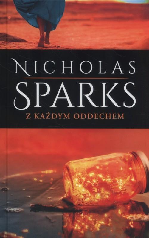 okładka Z każdym oddechemksiążka      Nicholas Sparks