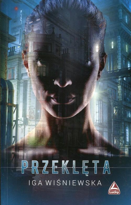okładka Przeklętaksiążka      Iga Wiśniewska