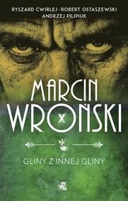 okładka Gliny z innej gliny, Książka | Marcin Wroński, Andrzej Pilipiuk, Robert Ostaszewski, Ryszard Ćwirlej